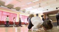 Liks be šokių pamokų: ministerija primygtinai siūlo prijungti prie kūno kultūros, o mokytojai ruošiasi atleidimui (nuotr. stop kadras)