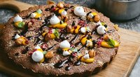 Grikių miltų pyragas su spanguolėmis ir migdolais