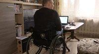 Neįgalieji Lietuvoje susiduria su pavežėjų problema: negali nuvykti, nes nėra pritaikytų (nuotr. stop kadras)