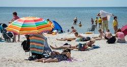 Už pasiklydusį vaiką paplūdimyje, tenka aiškintis vaiko teisių apsaugos tarnybai