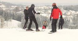 Bijoma sniego gniūžtės efekto: mokamos lauko pramogos draudžiamos