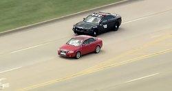 Policija vijosi bėglį: gatvėmis automobiliai skriejo 200 kilometrų per valandą greičiu