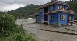 Nepalą plauna potvyniai: 7 žuvę, dar 20 – dingę