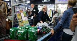 Prekybos tinklai apsisprendė, ar pardavinės alkoholį rugsėjo 3 dieną