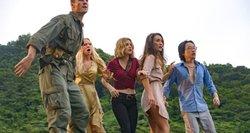"""Filmo """"Košmarų sala"""" recenzija: į siaubo popierėlį įvyniota pramoga"""