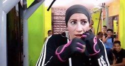 Prieš sistemą: Egipte vyrus boksuotis moko moteris