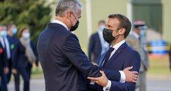 Macrono žodžiai Vilniuje apie dialogą su Rusija supriešino politikus