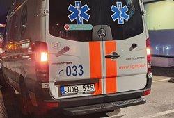 """Būtina žinoti: požymiai, dėl kurių moterims po """"AstraZeneca"""" skiepo reikia iškart važiuoti į ligoninę"""