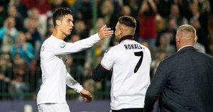 Pamišęs Ronaldo fanas išbėgo į aikštelę, bet norai neišsipildė (nuotr. Fotobankas/Irmantas Gėlūnas)