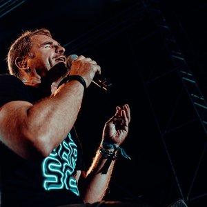 Festivalio finalą vainikavo įspūdingas Mikutavičiaus pasirodymas