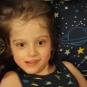 Be tėčio augančiam Vėjukui smogė itin reta liga: kentė net 100 priepuolių per dieną
