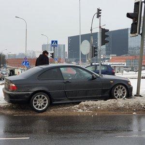 Vilniuje BMW judrioje sankryžoje išjungė šviesoforus