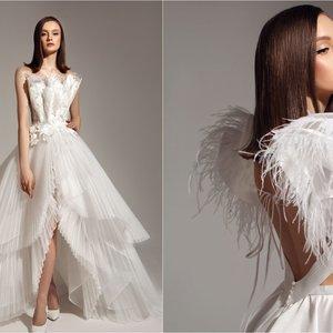Elegantiškoms nuotakoms skirta Silės suknelių kolekciją – susitinka plunksnos, perlai ir ypatingi audiniai
