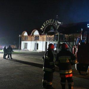 Gaisras netoli Vievio.: užsiliepsnojo kavinė, į įvykio vietą išsiųstos šešios autocisternos