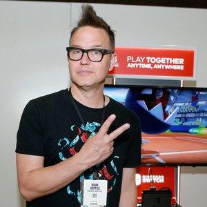 """Grupės """"Blink-182"""" nariui nustatytas 4-os stadijos vėžys: prabilo apie savo savijautą"""