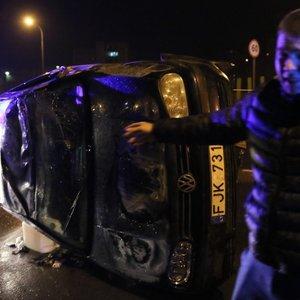 Girtų jaunuolių naktiniai nuotykiai Vilniuje baigėsi avarija