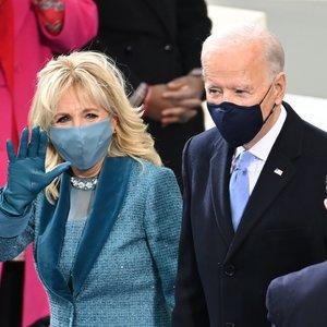 Bidenas po inauguracijos pirmąkart atvyko į Baltuosius rūmus