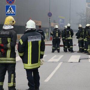"""Netoli Vilniaus """"Europos"""" verslo centro – sprogimas ir gaisras"""