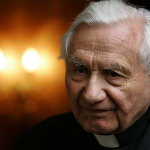 Buvusio popiežiaus šeimoje – skaudi netekti: mirė 96-erių brolis