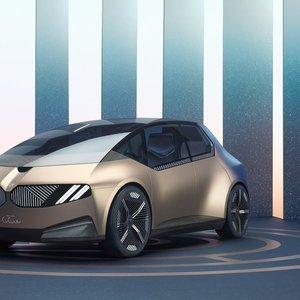 BMW pristatė automobilį iš perdirbtų medžiagų ir dviračio-motociklo mišrūną