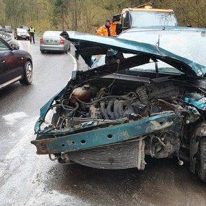 Avarija Vilniuje: susidūrė sunkvežimis ir automobilis