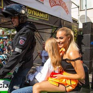 69 danguje merginos atidarė lenktynių festivalį Palangoje