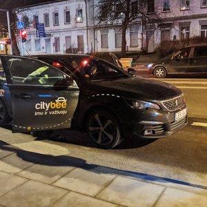 """Po """"CityBee"""" avarijos paaiškėjo – nei vienas neturi vairuotojo pažymėjimo"""