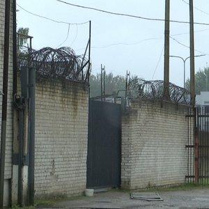Kalinio pabėgimas atvėrė žaizdas: pareigūnams – kaltinimai net dėl narkotikų