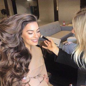 Paviešino, kaip iš tikrųjų kuriamos plaukų šampūno reklamos: užkulisiai prajuokins