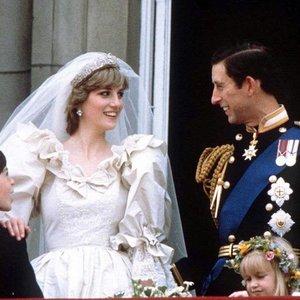 Dianą sukrėtė tai, ką iš princo Charleso išgirdo prieš vestuves: ketino netgi jose nepasirodyti