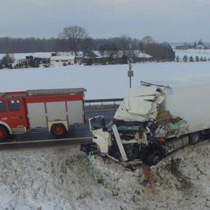 """Išskirtiniai kadrai iš drono: mirtina avarija įvyko """"Via Baltica"""""""