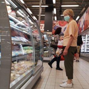 Taip nuo šeštadienio atrodys apsipirkimas parduotuvėje: neįsileis kosėjančių ir sloguojančių