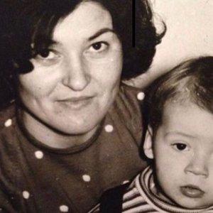Praeities kadre – garsus Lietuvos vyras su mama: ar atpažįstate?