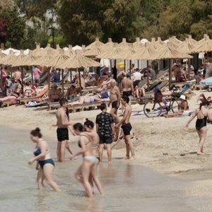 Gyventojai atsargiai planuoja keliones ne vasarai, bet ir rudeniui