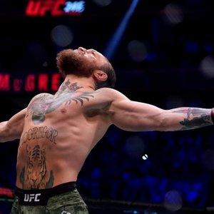 McGregoras grįžo įspūdingai – sulaužė nosį ir varžovą sudorojo per 40 sek.