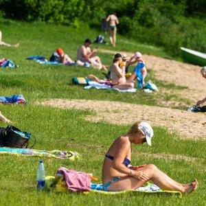 Prognozuoja alinantį karštį: medikas pataria, kaip jį išgyventi