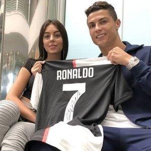 Rungtynių su lietuviais nepraleido ir Ronaldo mylimoji: skyrė jautrius žodžius