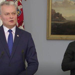 Gestų kalbos vertėjas šalia prezidento – Lietuva rodo pavyzdį pasauliui