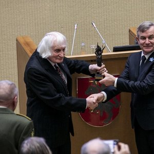 Įteikta Laisvės premija: apdovanotas partizanas Albinas Kentra-Aušra
