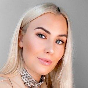 Žinoma influencerė iš Norvegijos į Lietuvą atvyko dėl plastinės operacijos: ryžosi riebalų nusiurbimui