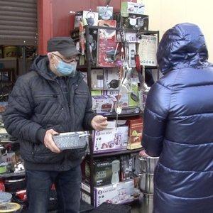 Turgaus prekybininkai pikti: sako, kad dirbti tenka kaip gūdžiu sovietmečiu