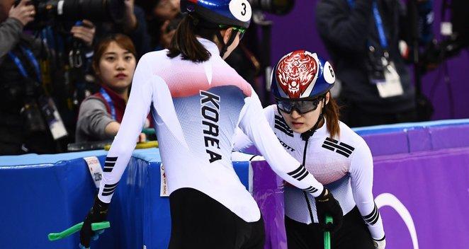 Greitojo čiuožimo finale – skaudus Pietų Korėjos sportininkių susidūrimas