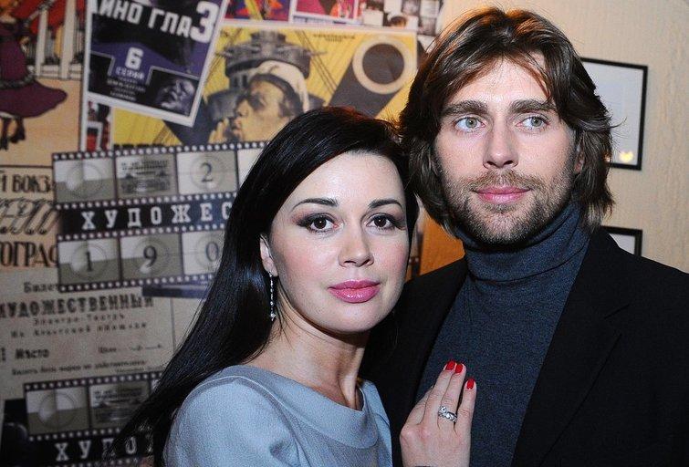 Anastasia Zavorotniu su vyru (nuotr. SCANPIX)