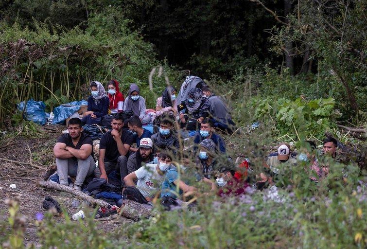 Įstrigę migrantai Lenkijos-Baltarusijos pasienyje (nuotr. SCANPIX)