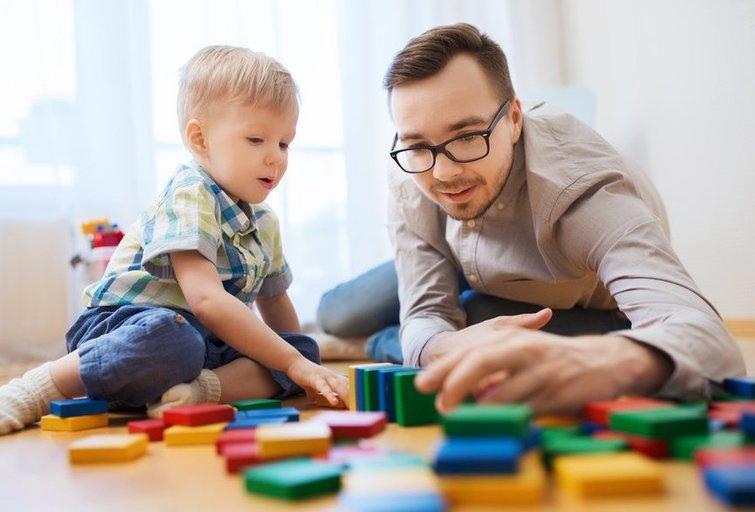 Žaidimai su vaikais (nuotr. Shutterstock.com)