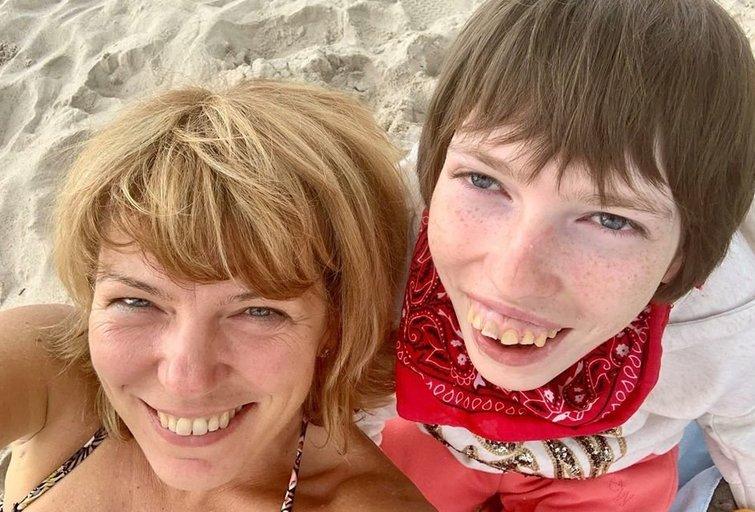 """Neįgalią dukrą auginanti motina kreipėsi į Kukuraitį ir Nausėdą: nuolatinė slauga – vergovė (nuotr. asmeninio albumo (""""Facebook"""")"""