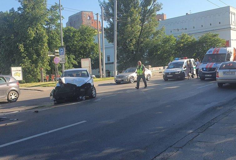 T. Kosciuškos gatvėje susidūrė du lengvieji automobiliai (nuotr. tv3.lt)