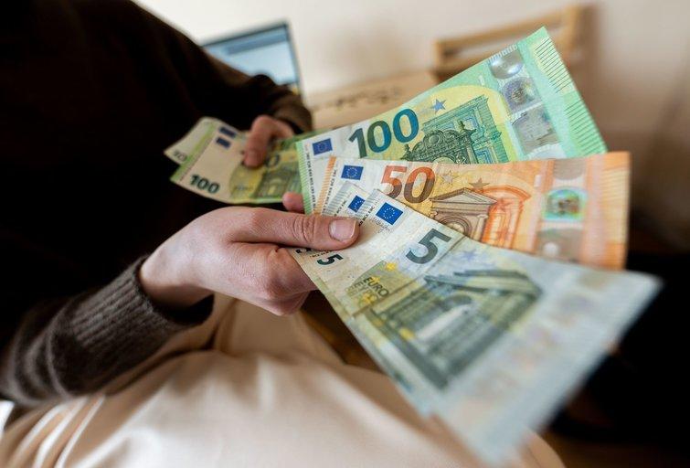 Patikslintame biudžete numatyta per 700 mln. eurų papildomų išlaidų (nuotr. Fotodiena/Justino Auškelio)
