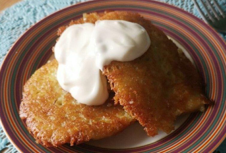 Bulviniai blynai su grietine (Nuotr. Kviečiu į virtuvę)