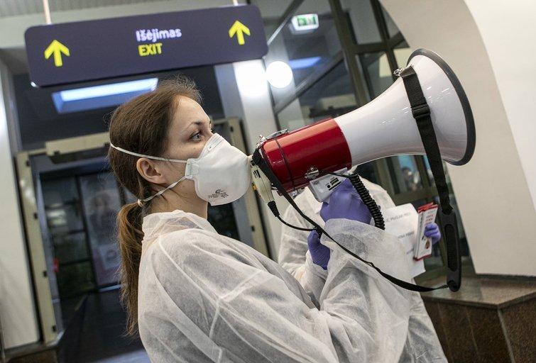 Vilniaus oro uoste – pasiruošimas koronavirusui (Paulius Peleckis/Fotobankas)